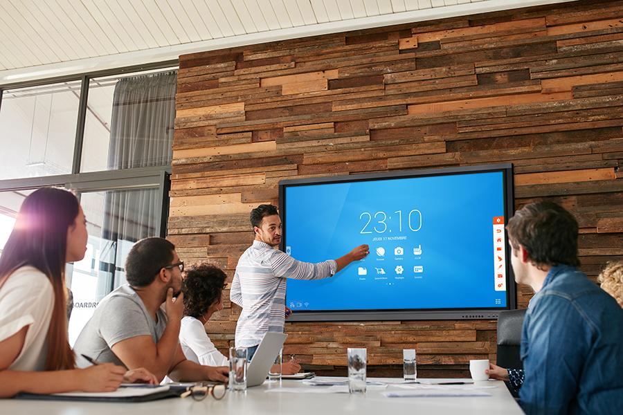 Ecran interactif tactile: avantages en entreprise