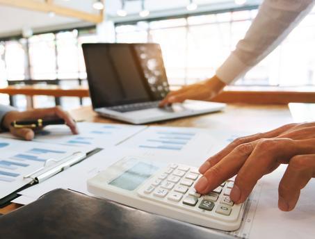 Déterminer une échelle de salaire pour les employés